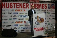Tim Plachner eröffnet die Kirmes 2015