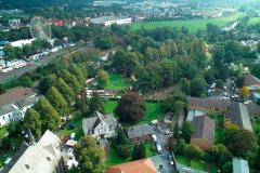Blick über den Alten Friedhof Richtung Bruchhausen - Luftbild Jochen Krutmann