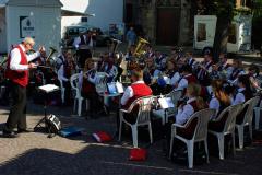 Hahnaufsetzen - Musikverein Müschede sorgt für melodische Untermalung