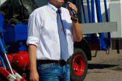 Hahnaufsetzen - Ingo Beckschäfer, Vorsitzender der Kirmesgesellschaft, bei der Eröffnungsrede