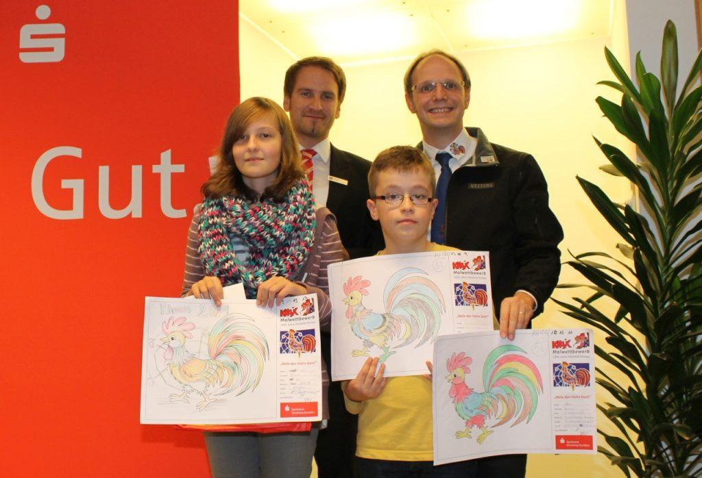 von links: Diana Voth (1. Platz), Matthias Brägas (Sparkasse), Laurent Veliqi (3. Platz) und Thomas Weber (Kirmesgesellschaft). Im Bild fehlend ist der Zweitplatzierte Yaser Akca.